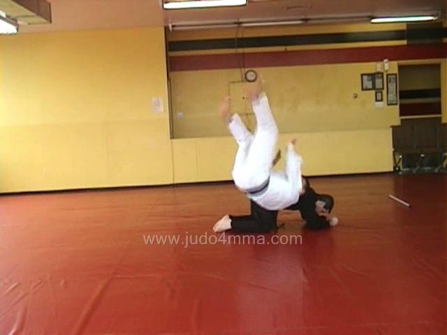 Click for a video showing a Traditional Judo breakfall Drill for Chugaeri - Shoulder Roll.