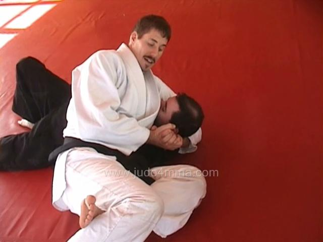 Click for a video showing how to do Kesa Garami - Scarf Hold Arm Lock