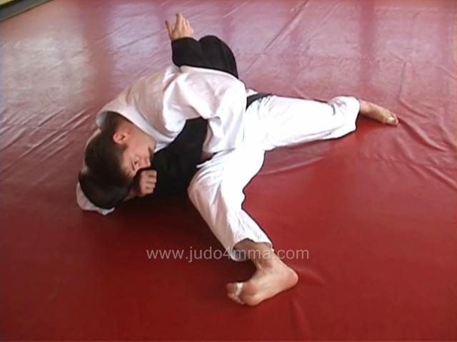 Click for a video showing how to do Kesa Gatame - Scarf Hold