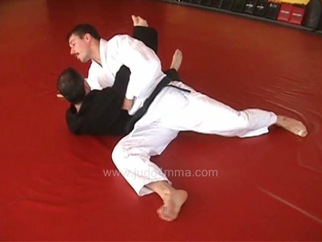 Click for a video showing how to do Kuzure Kesa Gatame - Variation on the Scarf Hold with alternate grips