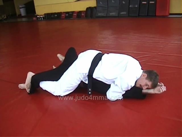 Click for a video showing how to do Kuzure Tate Shiho Gatame - Variation on Vertical Four Quarters Hold