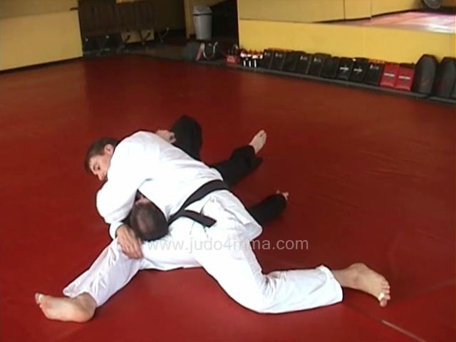 Click for a video showing how to do Makura Kesa Gatame - Pillow Scarf Hold