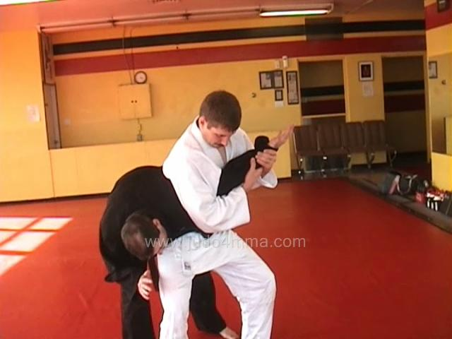 Click for a video showing how to do Ude Hishigi Waki Gatame - Armpit Arm Lock